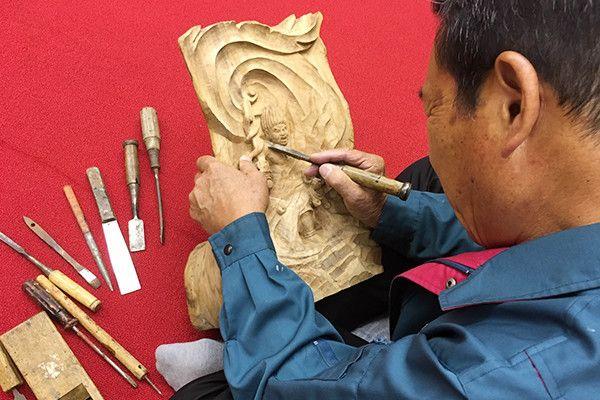 「彫刻師」